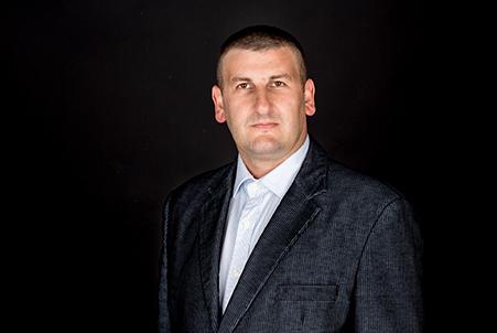 Ангел Великов